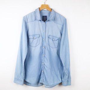 American Eagle chambray button up boyfriend shirt